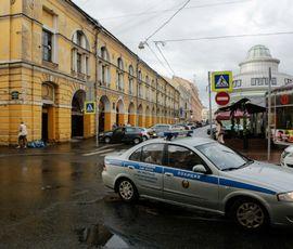 ОМОН обыскивает питейные заведения на Думской
