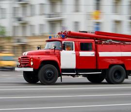 Четырех человек эвакуировали из-за пожара на Пулковском шоссе