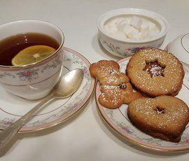 Капровый жук может испортить россиянам чаепития