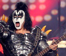 Основателя группы Kiss обвинили в сексуальных домогательствах