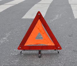 На Заневском пьяный водитель сбил четырех человек на тротуаре и скрылся
