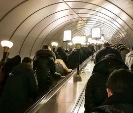 """На """"Петроградской"""" отремонтировали эскалатор, ограничения сняты"""
