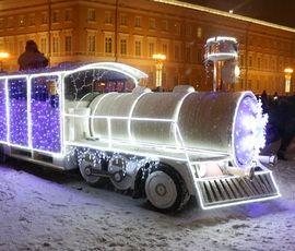 Дед Мороз новогоднее настроение в Петербург привез