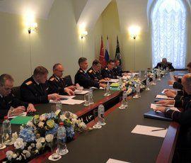 Бастрыкин в Петербурге призвал особо внимательно относиться к преступлениям против детей