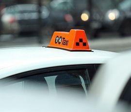 Легковым такси упростили работу в Петербурге и Ленобласти