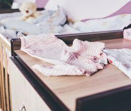 В Гатчине младенец пробил голову, выпав из кроватки