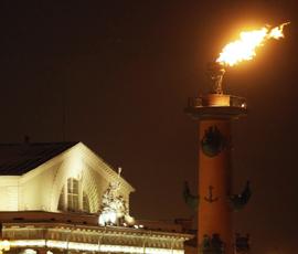 Петербург встретит 2018 год огнем Ростральных колонн