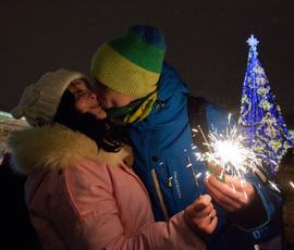 В новогодних гуляниях на Дворцовой пели и танцевали 1,5 млн человек