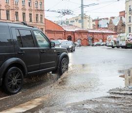 Петербуржцев ждет плюсовая температура и дождь