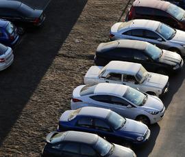 Водители подрались за парковку в Мурино на глазах у детей