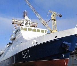 """На корабле """"Преданный"""" в Петербурге подняли флаг"""