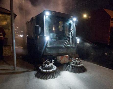 В Смольном объяснили, почему не убрана пыль в Петербурге