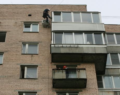 Мошенники предлагают петербуржцам экспертизу балконов