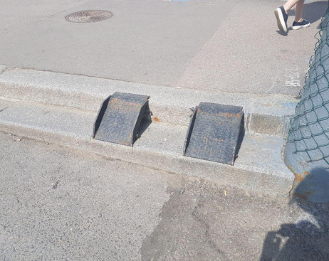 Памятник пофигизму властей: колясочников возмутил пандус у Ново-Московского моста