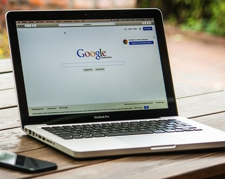 Google обвиняют в слежке за миллионами пользователей iPhone