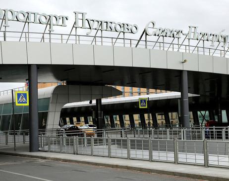 Ковалев требует разогнать комитет по транспорту за отмену маршрутки до Пулково
