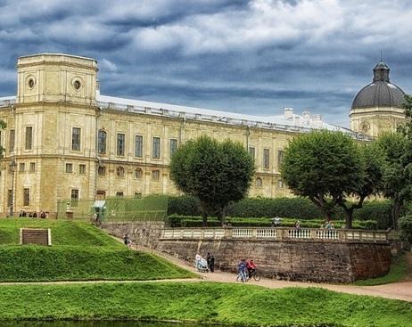 Гатчина стала самым популярным у туристов пригородом Петербурга
