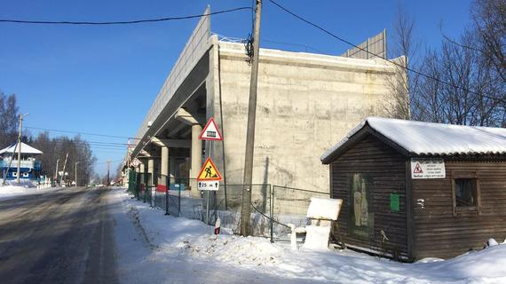 """Многострадальный путепровод на линии """"Таммисуо-Гвардейское"""" откроют осенью"""