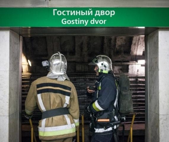 Ночью в петербургском метро провели учения