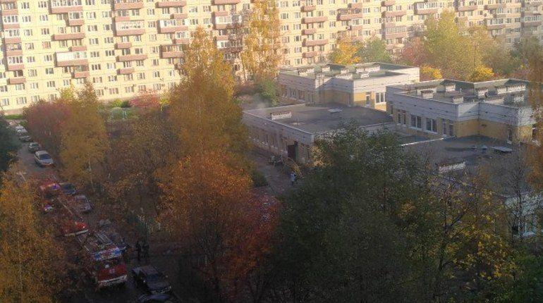 Очевидцы: в Невском районе горит детский сад