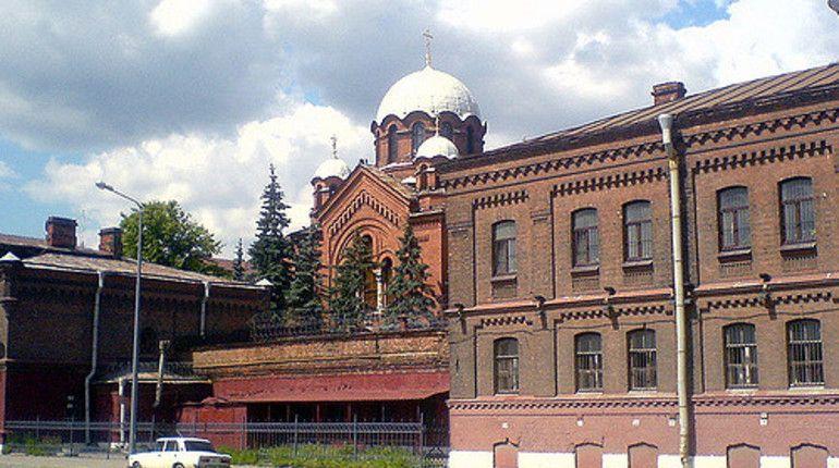 ГСУ СК РФ по Санкт-Петербургу начал проверку по факту обнаружения днем 17 октября тела мужчины в одной из камер СИЗО Кресты.
