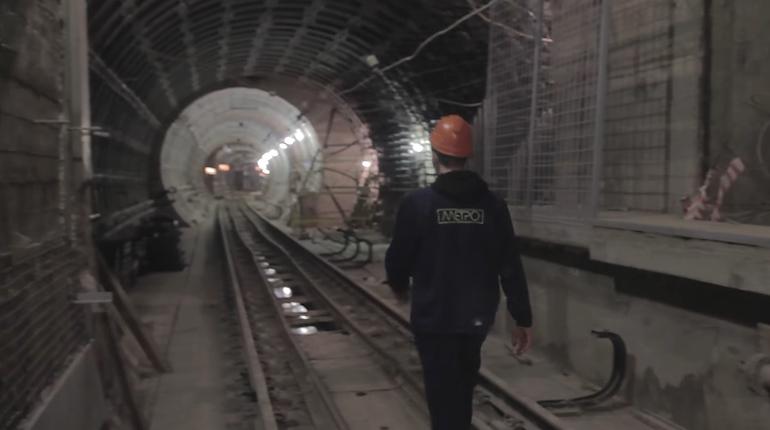 Диггеры сняли видео на недостроенной станции «Проспект Славы»