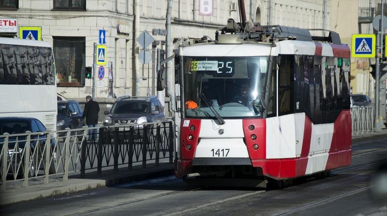 Сегодня в Петербурге ограничат транспортное движение