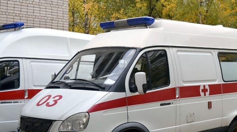 В Сестрорецке откачивают девятиклассника, которого нашли под мостом без сознания. Врачи диагностировали у него сильнейшее отравление наркотиками.