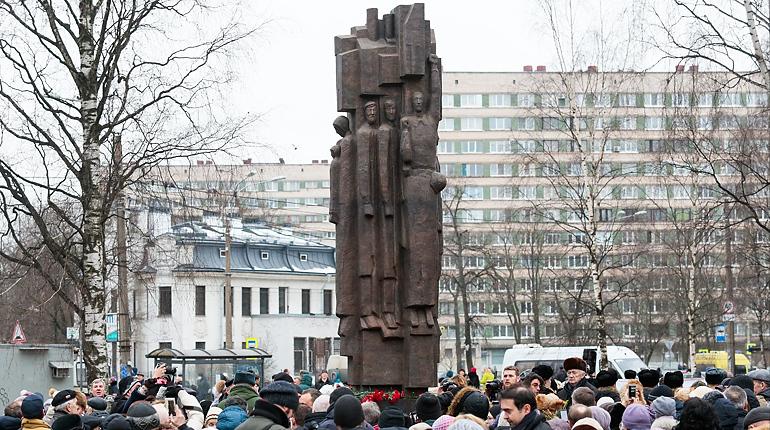 Мужество ленинградцев дождалось памятника спустя 12 лет после закладки