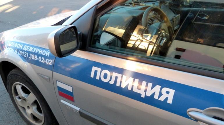 Вандалы разнесли кладбище в Петербурге