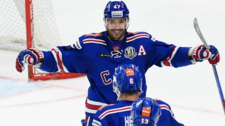 Игрок петербургского хоккейного клуба СКА Илья Ковальчук назван лучшим нападающим недели в КХЛ. В четырех матчах он набрал 7 (4+3) очков.