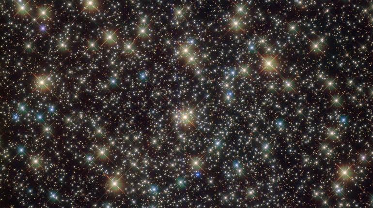 NASA опубликовало неповторимый снимок звездного скопления всозвездии Парус
