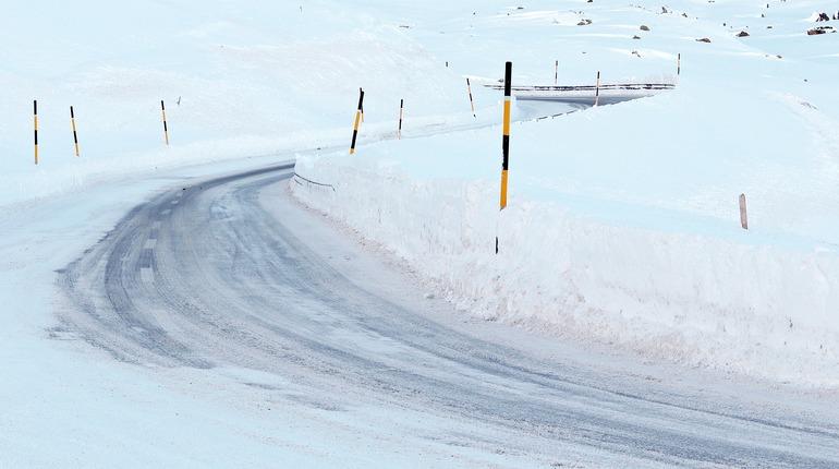 Снег на выборгских дорогах лег на плечи директора Рощинского ДРЭУ