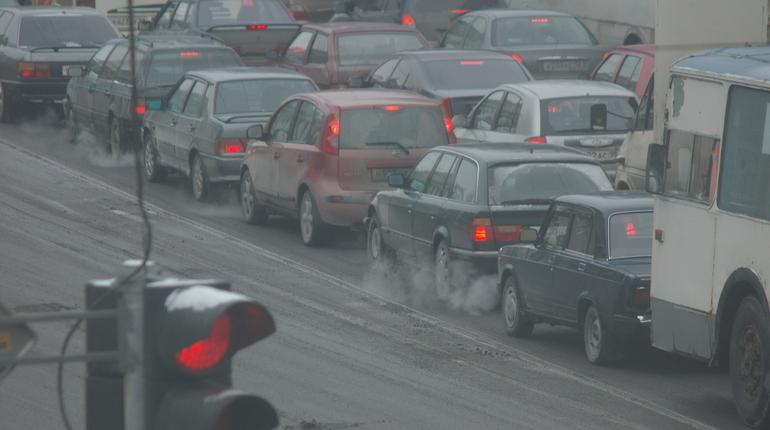 Жителям столицы из-за непогоды порекомендовали пересесть на публичный транспорт