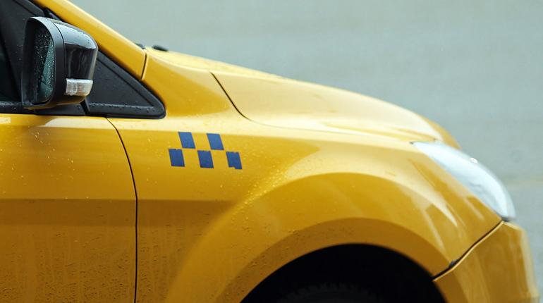 ВПетербурге чиновники будут следить заперемещением такси