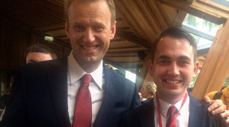 Координатора штаба Навального вПетербурге арестовали на30 суток