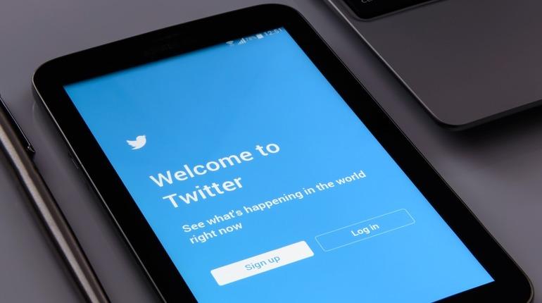 Twitter оповестил пользователей о том, что они просматривали контент с российской пропагандой