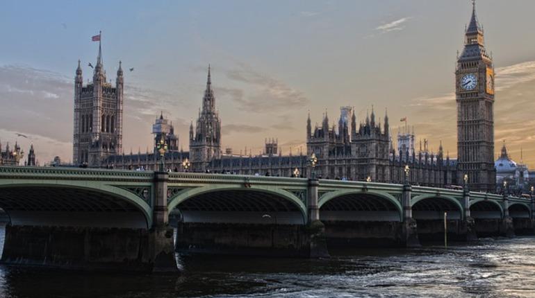 Вестминстерский дворец и британский парламент теряют друг друга, но на время ремонта