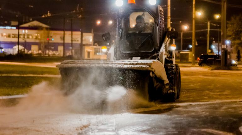 Впригородах Петербурга проинспектировали уборку улиц после снегопада