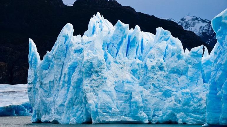 В ледниках Северного полушария Земли