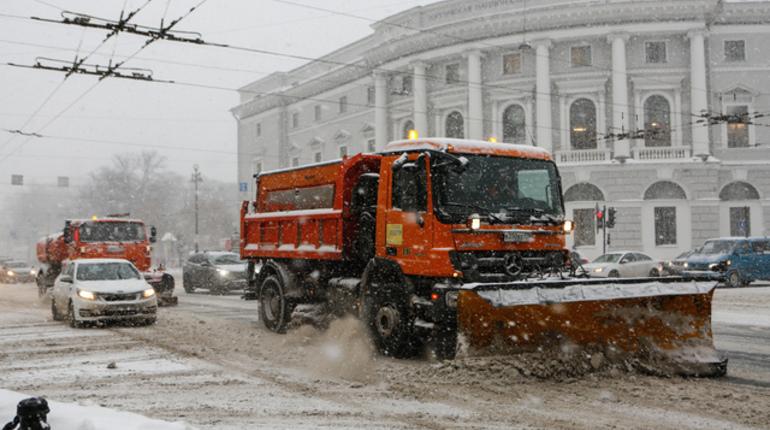Заммэра столицы сравнил объем выпавшего снега сдлиной экватора