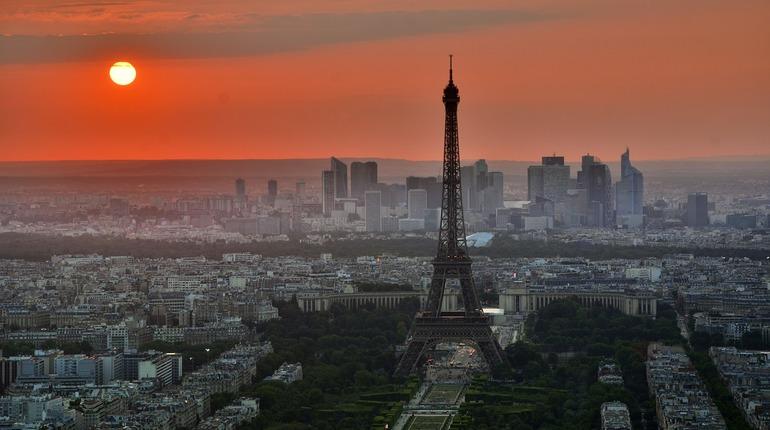 Макрон и Путин договорятся о визите президента Франции в РФ по телефону