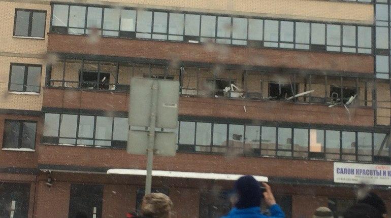 ВПриморском районе Петербурга произошел взрыв вжилом доме, докладывают свидетели
