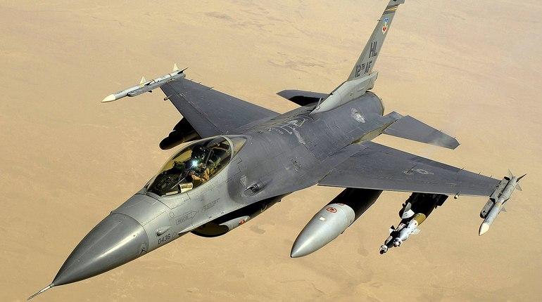 Военный самолет Израиля рухнул на севере страны