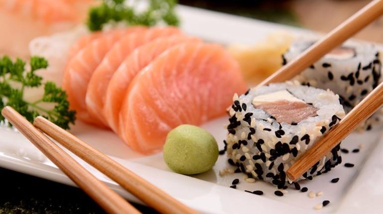 Секс в суши баре