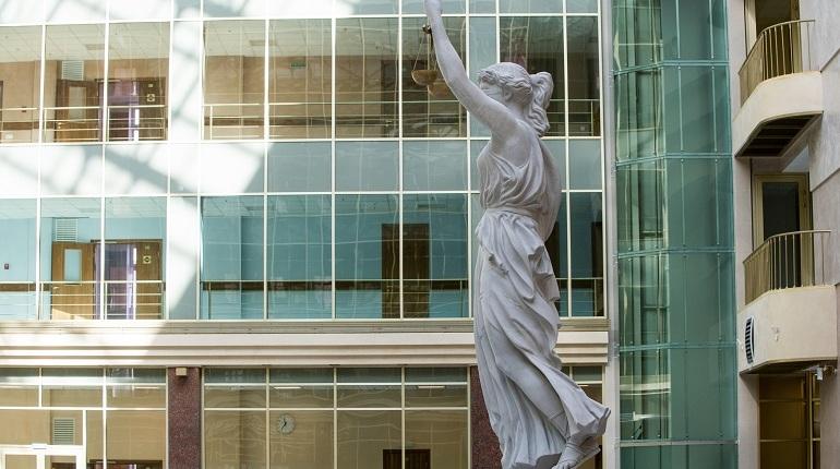 Суд продлил арест следователю МВД Петербурга по делу о крупной взятке
