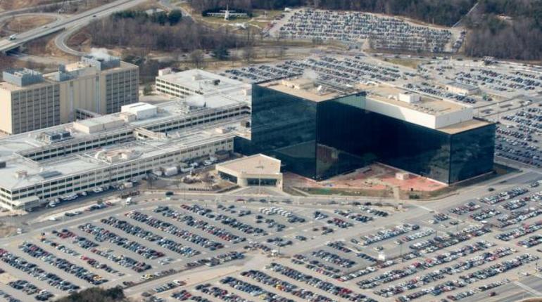 Неизвестный расстрелял троих у штаб-квартиры АНБ США