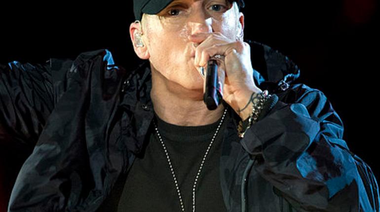 Снятый сЭдом Шираном клип Eminem стал хитом сети