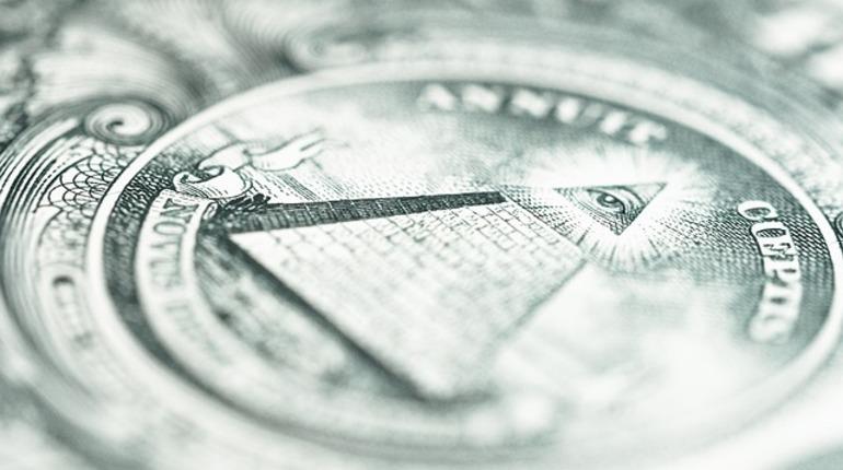 ВПетербурге суд приговорил организатора финансовой пирамиды к4,6 годам колонии