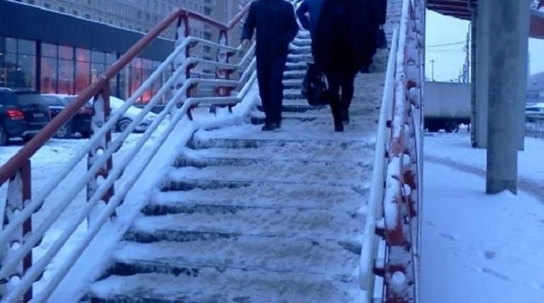 Чиновникам предложили сдать нормы ГТО на жутком купчинском «крабе»